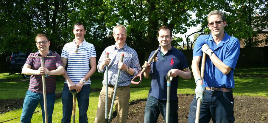 "Green-fingered volunteers help spruce up ""tired"" Altrincham gardens"