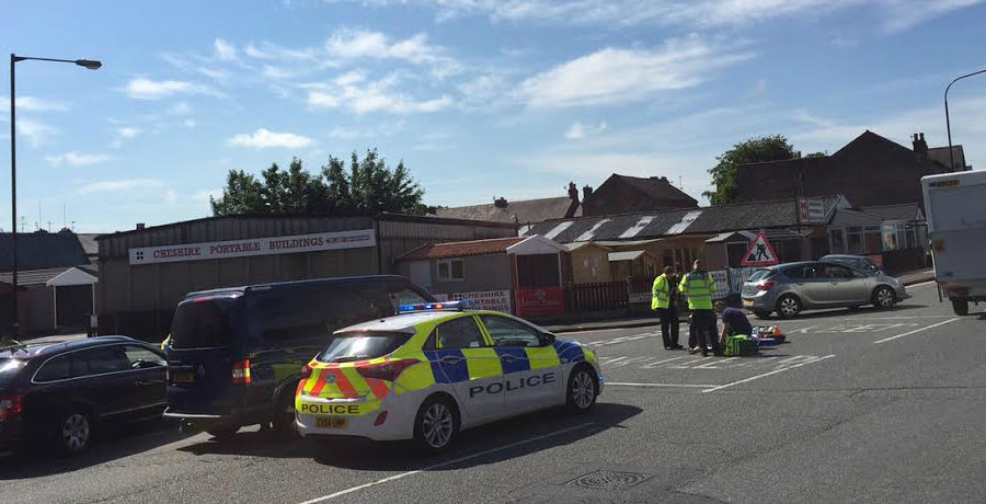 Cyclist suffers suspected broken leg and shoulder in Manchester Road collision