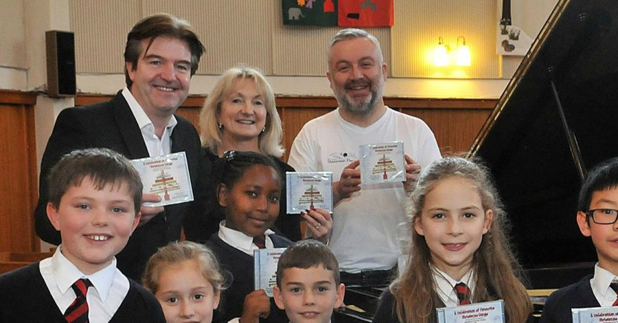 Altrincham opera singer produces Christmas album to fund holiday trip for sick children