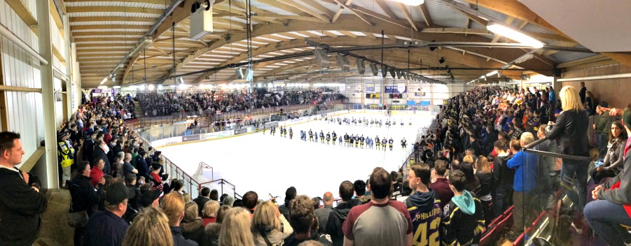 World of ice hockey comes together to raise £25,000 for Manchester attack families on emotional night in Altrincham