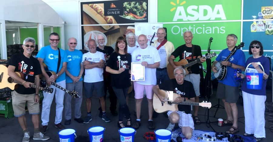 Altrincham charity buskers given national award by Cancer Research after raising £450,000