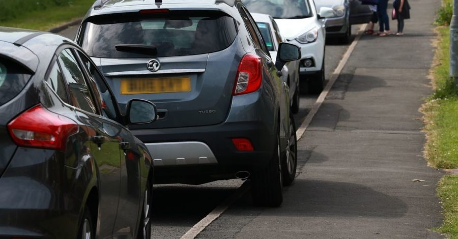 Parents who leave car engines running on school run to be handed fines