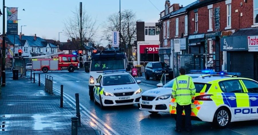 "BREAKING: Police close off Timperley village for ""controlled explosion"" after failed robbery attempt on Co-op supermarket"