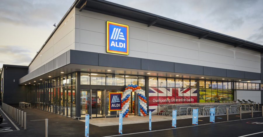New Altrincham Aldi opens its doors