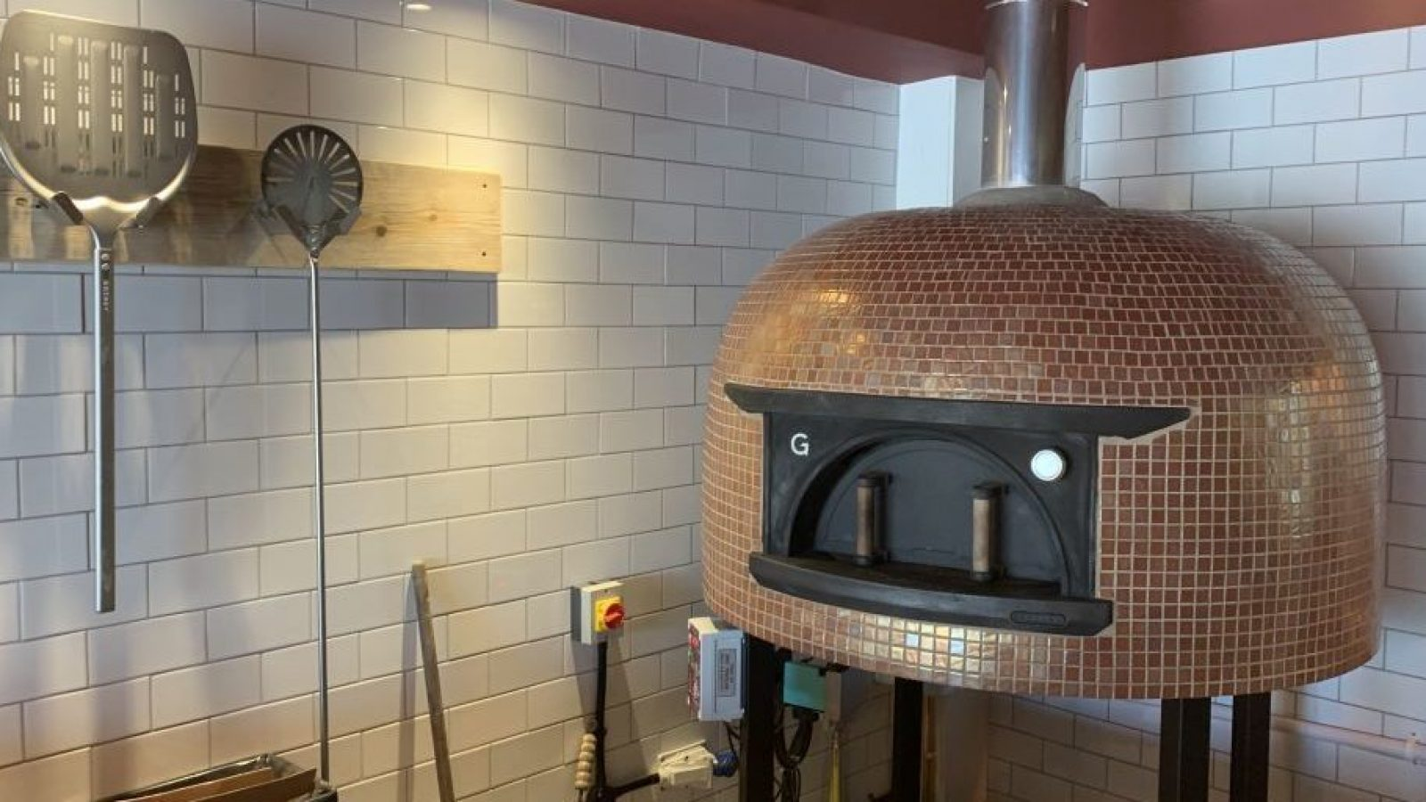 184 Ashley Road, Hale - Wood fired pizza (1)
