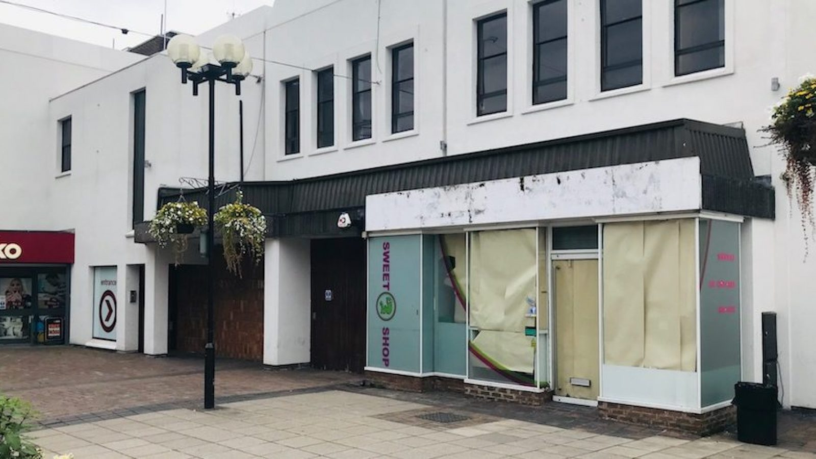 The Cheese Peddlers will move into the former Gummy worm unit at the bottom of the high street