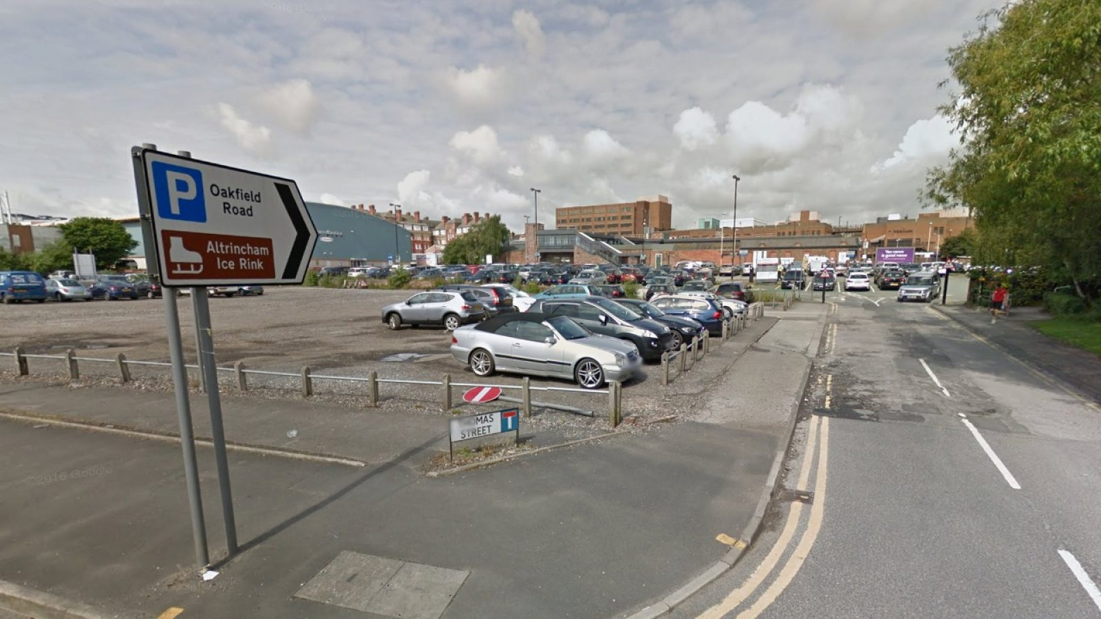 The proposed Altrincham Leisure Centre plan would include 300 car parking spaces.